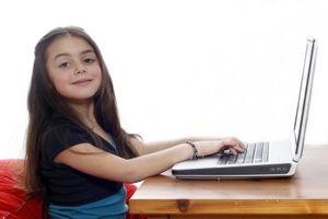 Czy wiesz co Twoje dziecko robi w sieci?