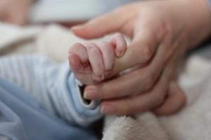 Co zabrać do szpitala dla noworodka? ZOBACZ FILM