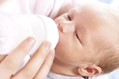 Rodzaje mleka modyfikowanego – jak dobrać odpowiednie mleko dla Twojego dziecka?