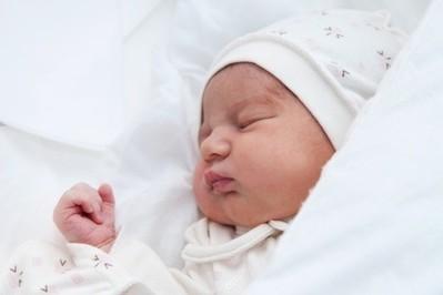 Swaddling, czyli popularna metoda owijania noworodka – PORADY POŁOŻNEJ - FILM