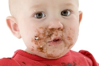 Pierwsze menu niemowlaka – czym karmić po mleku mamy?