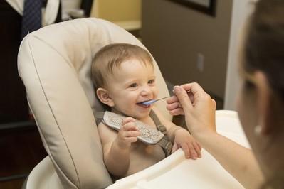 Krzesełko do karmienia – jak wybrać?