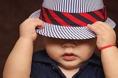 Co robi dziecko w pierwszym roku życia? Umiejętności roczniaka