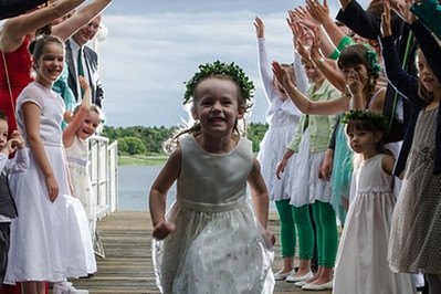 Atrakcje dla dzieci na weselu. Jak zająć najmłodszych? Podpowiadamy!