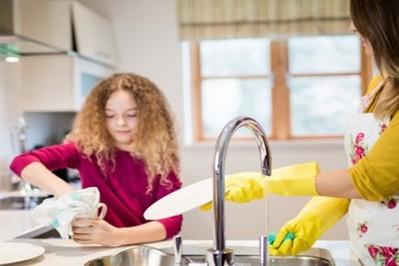 Sprzątanie domu kiedy w domu mieszkają dzieci - naturalne środki