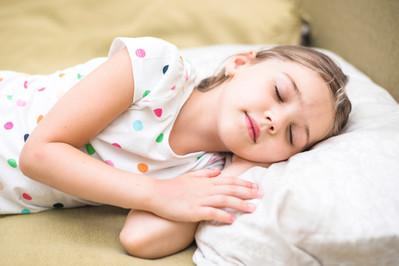 Poduszka dla dziecka – od kiedy maluch może jej używać?