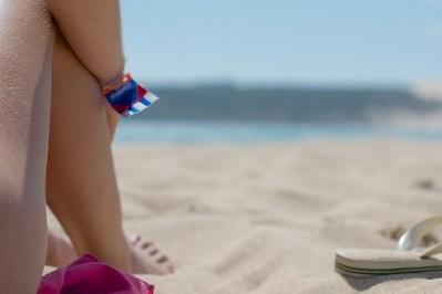 Co zabrać ze sobą na plażę nad morzem? Must have urlopowicza
