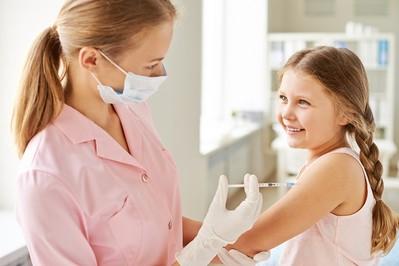 Obowiązkowe szczepienia dzieci - KALENDARZ SZCZEPIEŃ 2018!