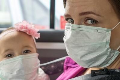 Kto z domowników zaraża się jako pierwszy – rodzice czy dzieci? Lekarze już wiedzą