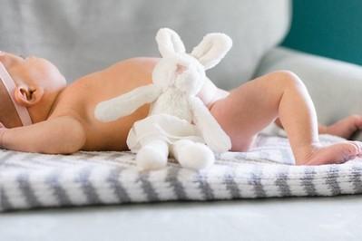2 miesiąc życia dziecka: co potrafi 2-miesięczne niemowlę KALENDARZ ROZWOJU DZIECKA