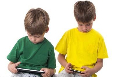 Wirtualne podwórko- dziecięcy świat z dorosłymi problemami