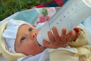 Tabela żywienia niemowląt