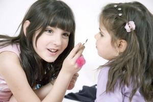 Kosmetyki kolorowe - dla dzieci czy nie?!