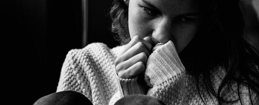 FELIETON: Dlaczego nastolatki robią głupoty?