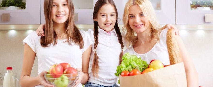 Gotowanie zbliża rodzinę – zachęcajmy dzieci do wspólnych chwil w kuchni