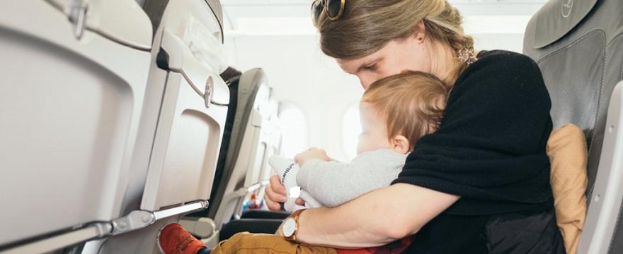 Choroba lokomocyjna u dziecka: naturalne sposoby na nudności i wymioty w czasie podróży