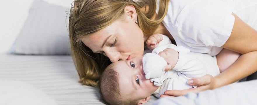 Mama radzi: niezbędnik mamy w 1. miesiącu życia dziecka