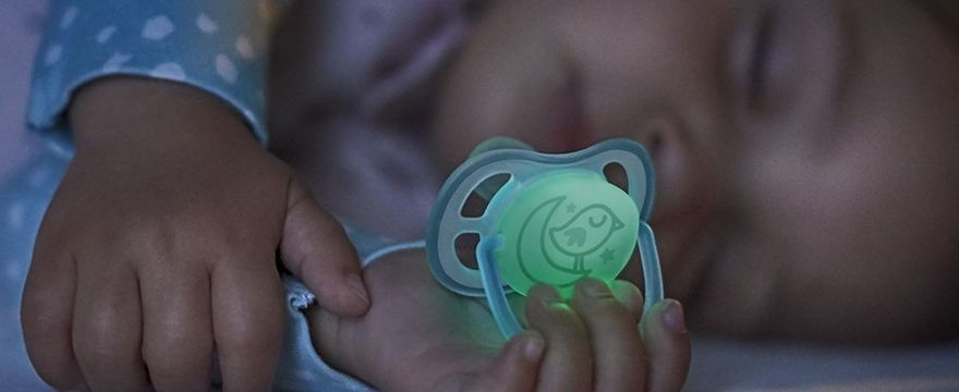 Nowe smoczki Philips Avent przepuszczające powietrze jeszcze bardziej przyjazne dla wrażliwej skóry dziecka