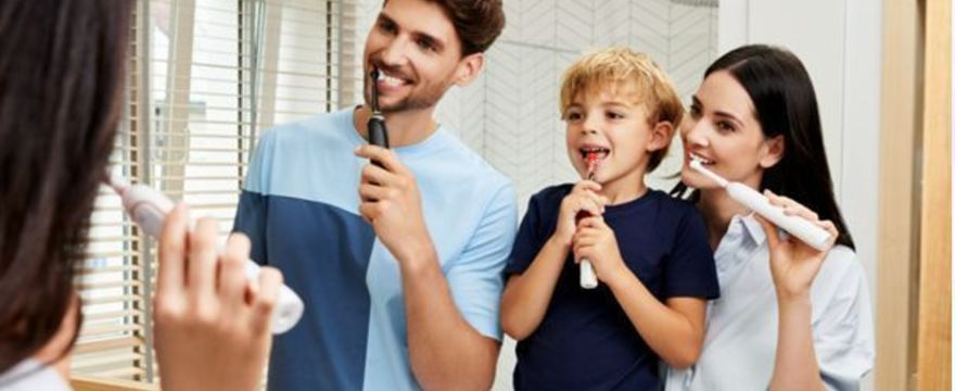 Jak dbać o zęby mleczne dziecka? Szczoteczki soniczne dla najmłodszych
