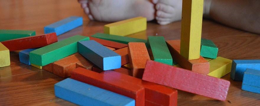 Nowe kapcie dla przedszkolaka - jak wybrać odpowiednie obuwie – poradnik