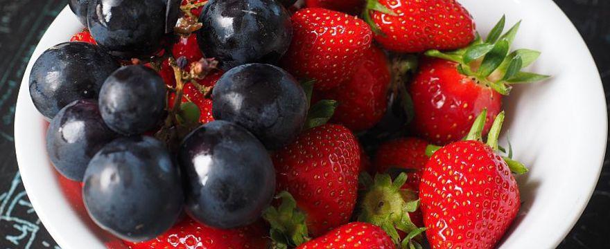 Od kiedy truskawki dla dziecka? Owoce sezonowe w diecie niemowlaka