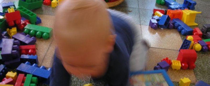 Jak nauczyć dziecko robienia porządków?