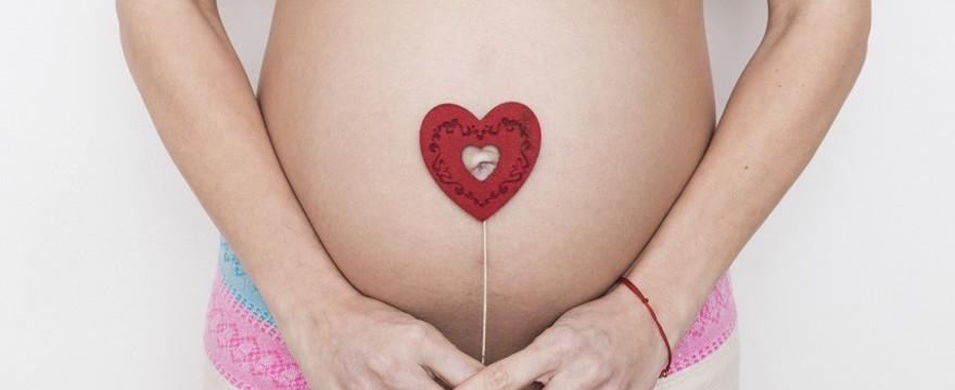 Czy jesteś statystyczną mamą? Średnia wieku matek w Polsce!