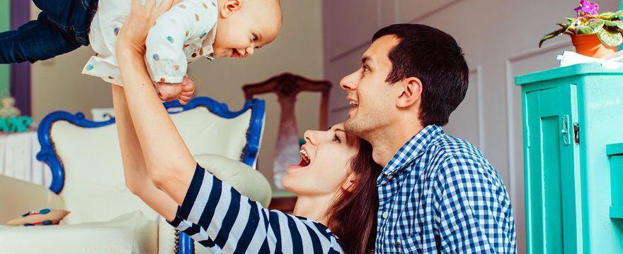 Skoki rozwojowe u niemowlaka – 7 WAŻNYCH ETAPÓW!