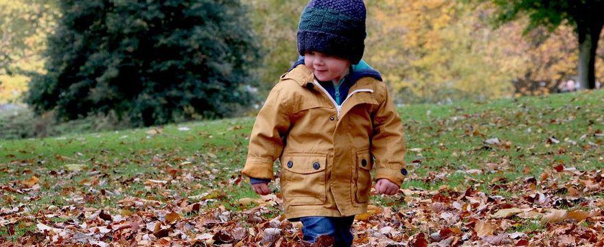 5 rad jak ubierać dziecko jesienią