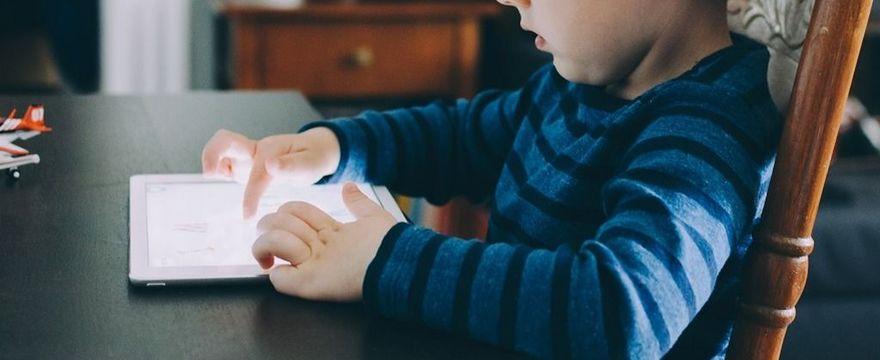 Zasiłek dla rodziców: czy będzie zasiłek opiekuńczy COVID w związku z nauczaniem zdalnym?
