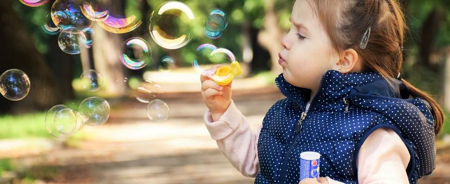 Jak nauczyć dziecko wydmuchiwać nos? KROK PO KROKU