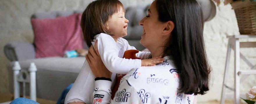 Rodzicielstwo bliskości: kolejny trend czy złoty środek wychowawczy?