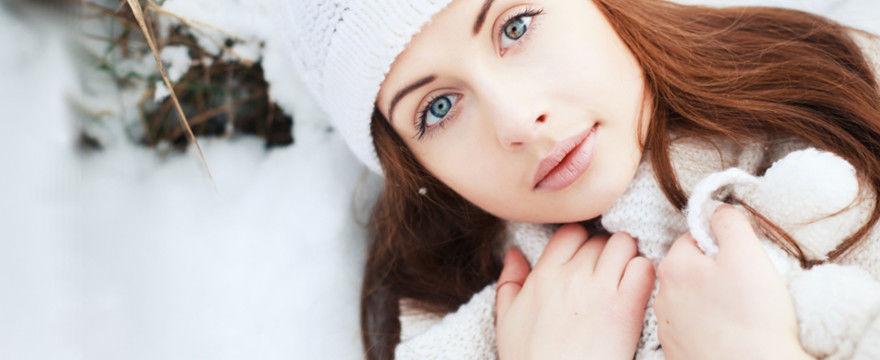 Jak rozgrzać zimne dłonie? PORADY KOSMETYCZKI