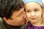 Jak tata powinien podtrzymać więź z dzieckiem pomimo rozłąki?